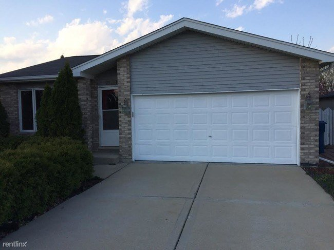 Best 4 Bedroom House For Rent In Chicago Il Small House With Pictures