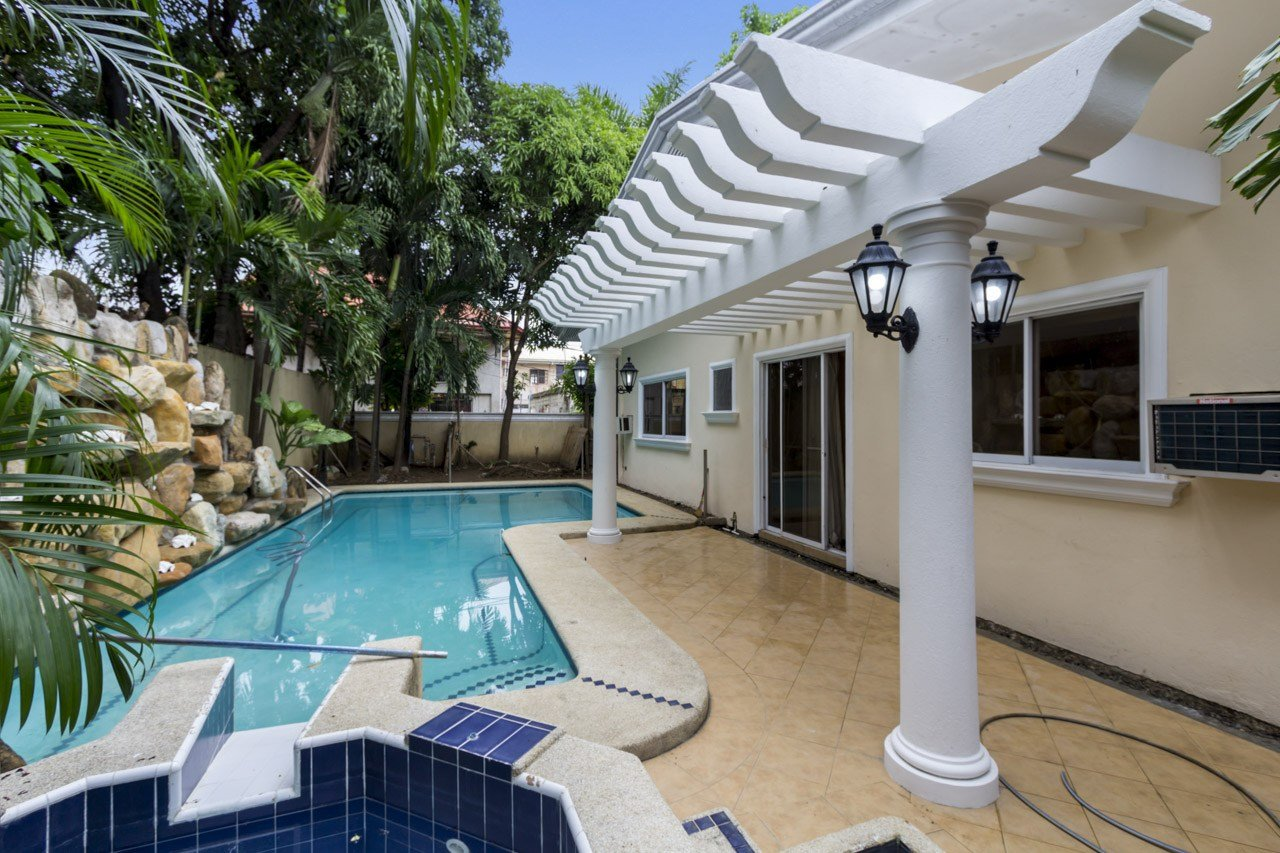 Best House For Rent In Banilad With Swimming Pool And Garden With Pictures