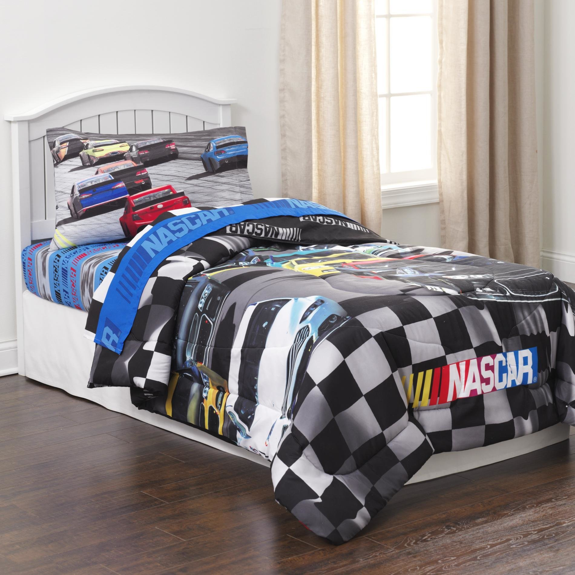 Best Nascar Bedding Totally Kids Totally Bedrooms Kids Bedroom Ideas With Pictures