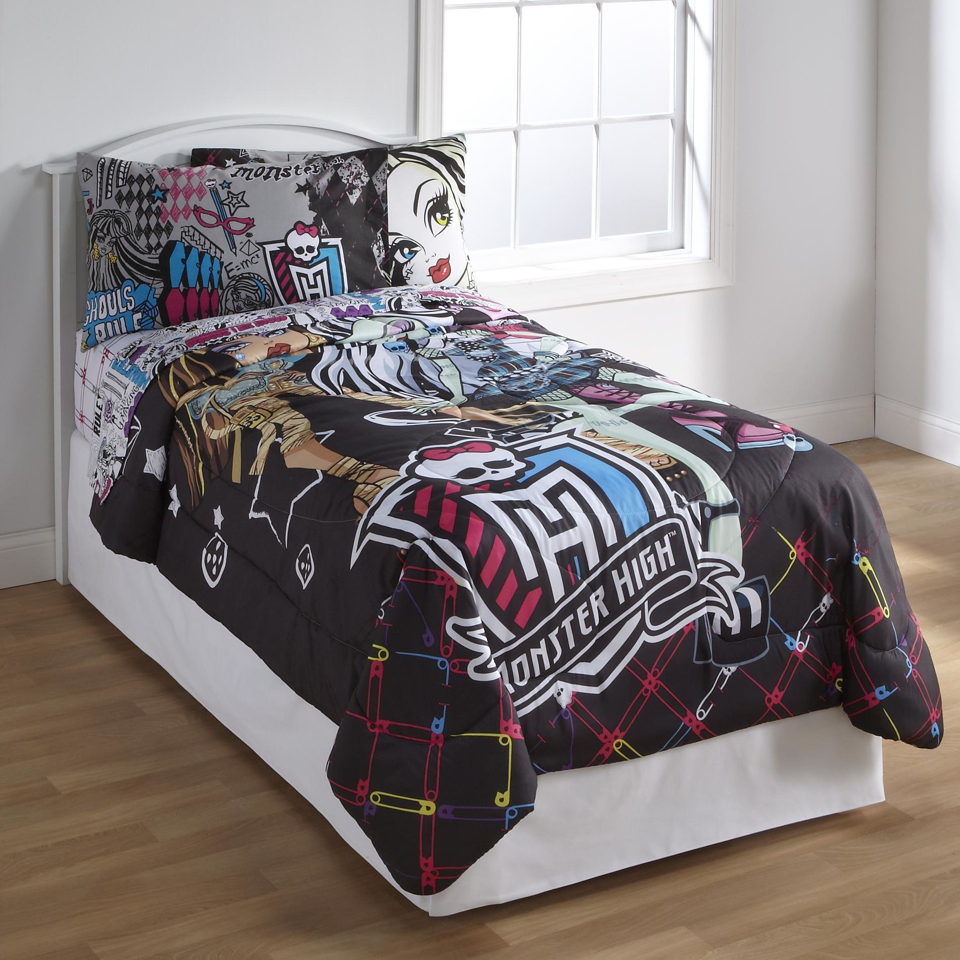 Best Monster High Bedding And Bedroom Decor With Pictures