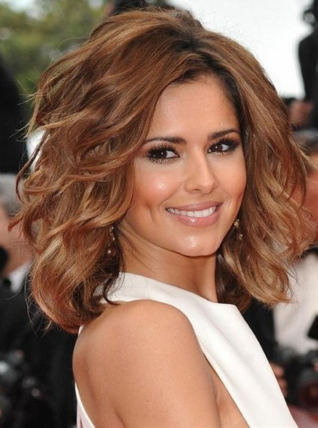 Free Medium Hairstyles For Thick Curly Hair Wallpaper
