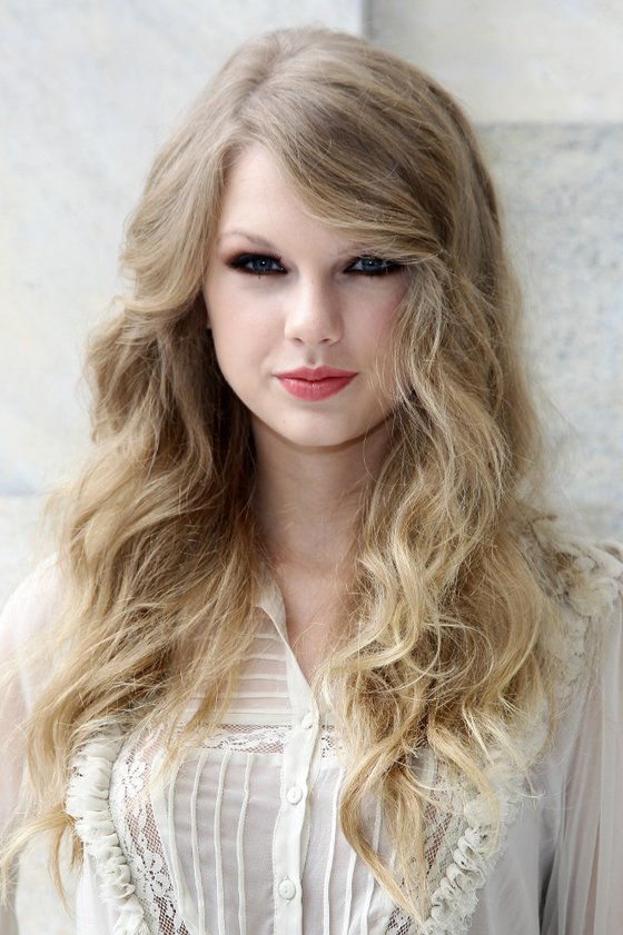 Free How To Get Taylor Swift S Hairstyle Step By Step Wallpaper