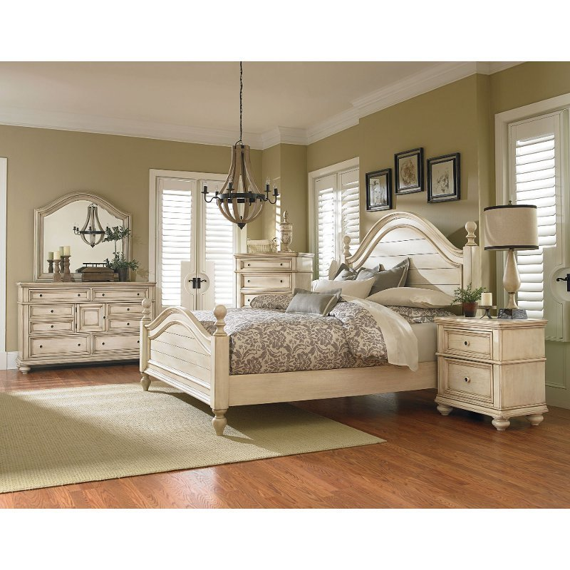 Best Antique White 6 Piece Queen Bedroom Set Heritage Rc Willey Furniture Store With Pictures