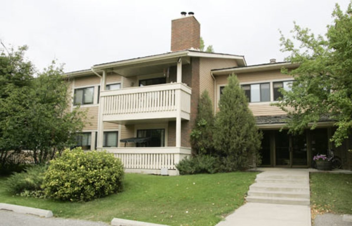 Best Calgary South West 3 Bedrooms Townhouse For Rent Ad Id With Pictures