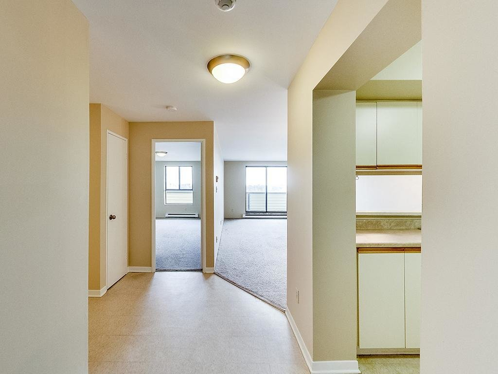 Best Kingston 2 Bedrooms Apartment For Rent Ad Id Sky 61474 With Pictures