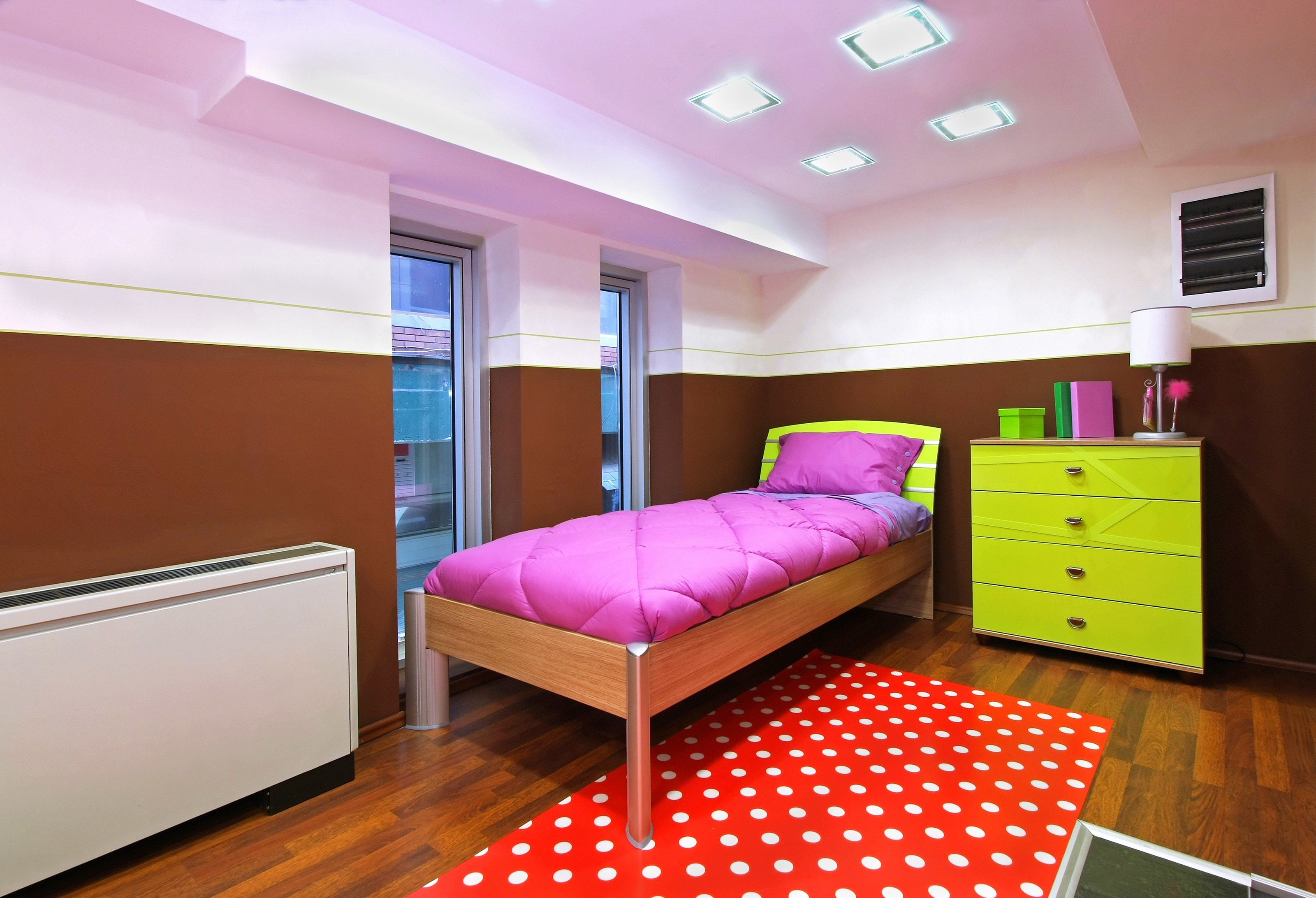 Best How To Organize Your Small Bedroom Tipstoorganize Com With Pictures