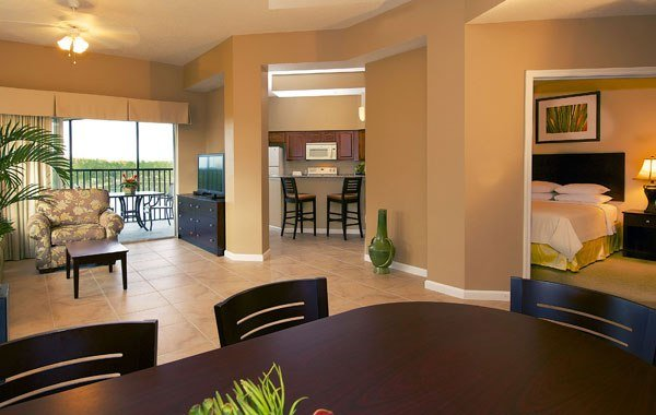 Best Residential Inspired Suites Near Disney World Worldquest With Pictures