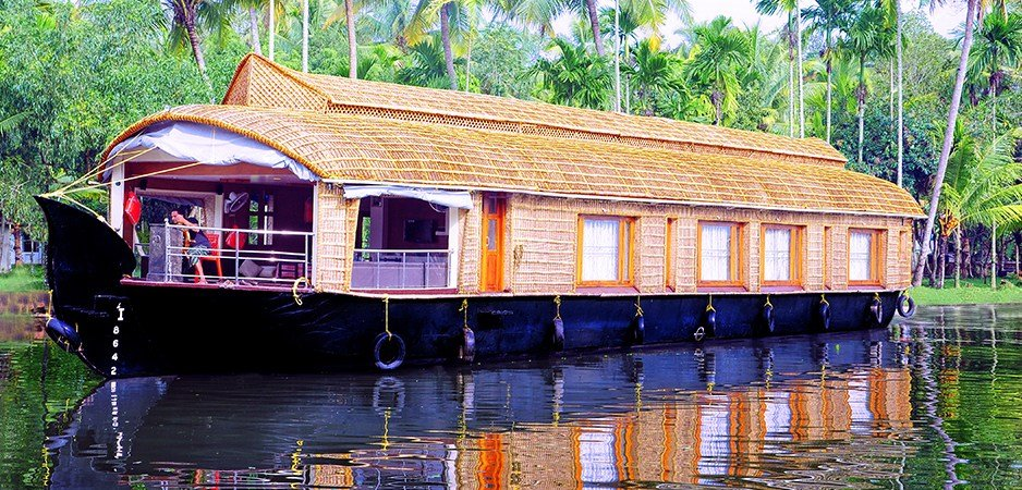 Best Alleppey 5 Bedroom Houseboats Five Bedroom Houseboats Five Rooms Alleppey Houseboat Deluxe With Pictures