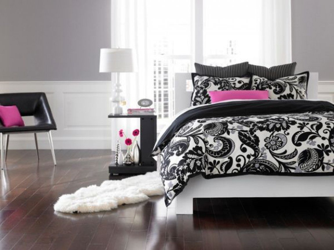 Best Black White And Pink Bedroom Ideas Black And White With With Pictures