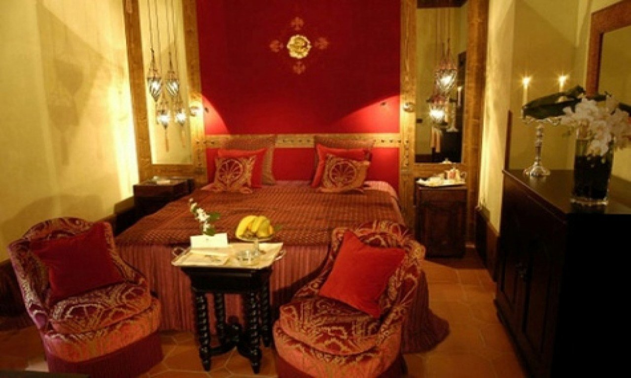 Best Red And Gold Bedroom Gold And Red Bedroom Ideas Red And With Pictures