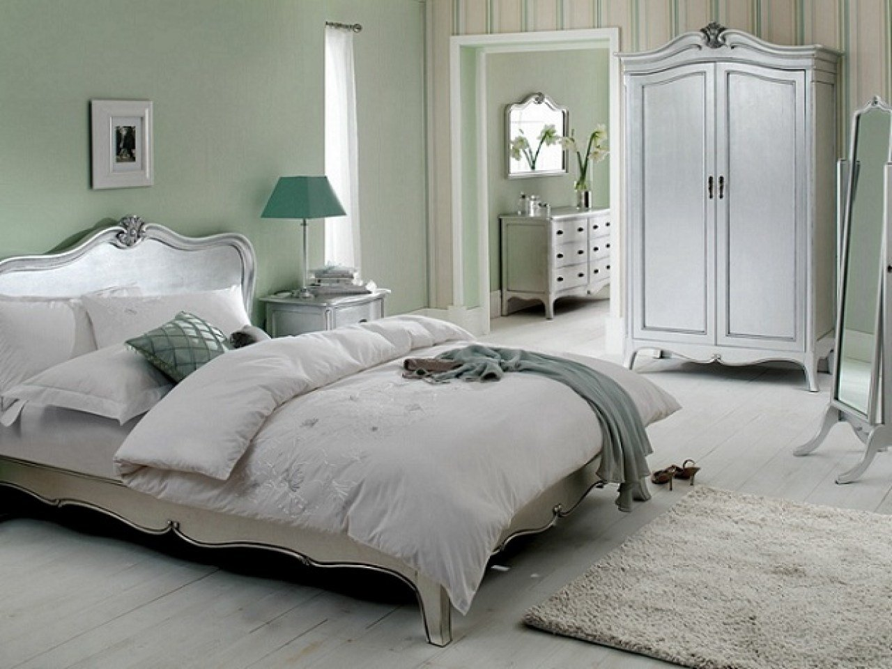 Best Blue And Silver Bedroom Silver And White Bedroom Furniture Black And White Bedrooms Bedroom With Pictures