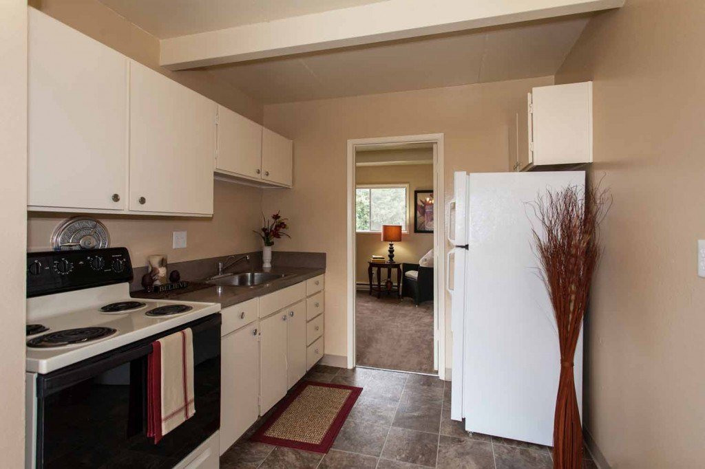 Best 1 Bedroom Sw Portland Apartment With A Pool View With Pictures