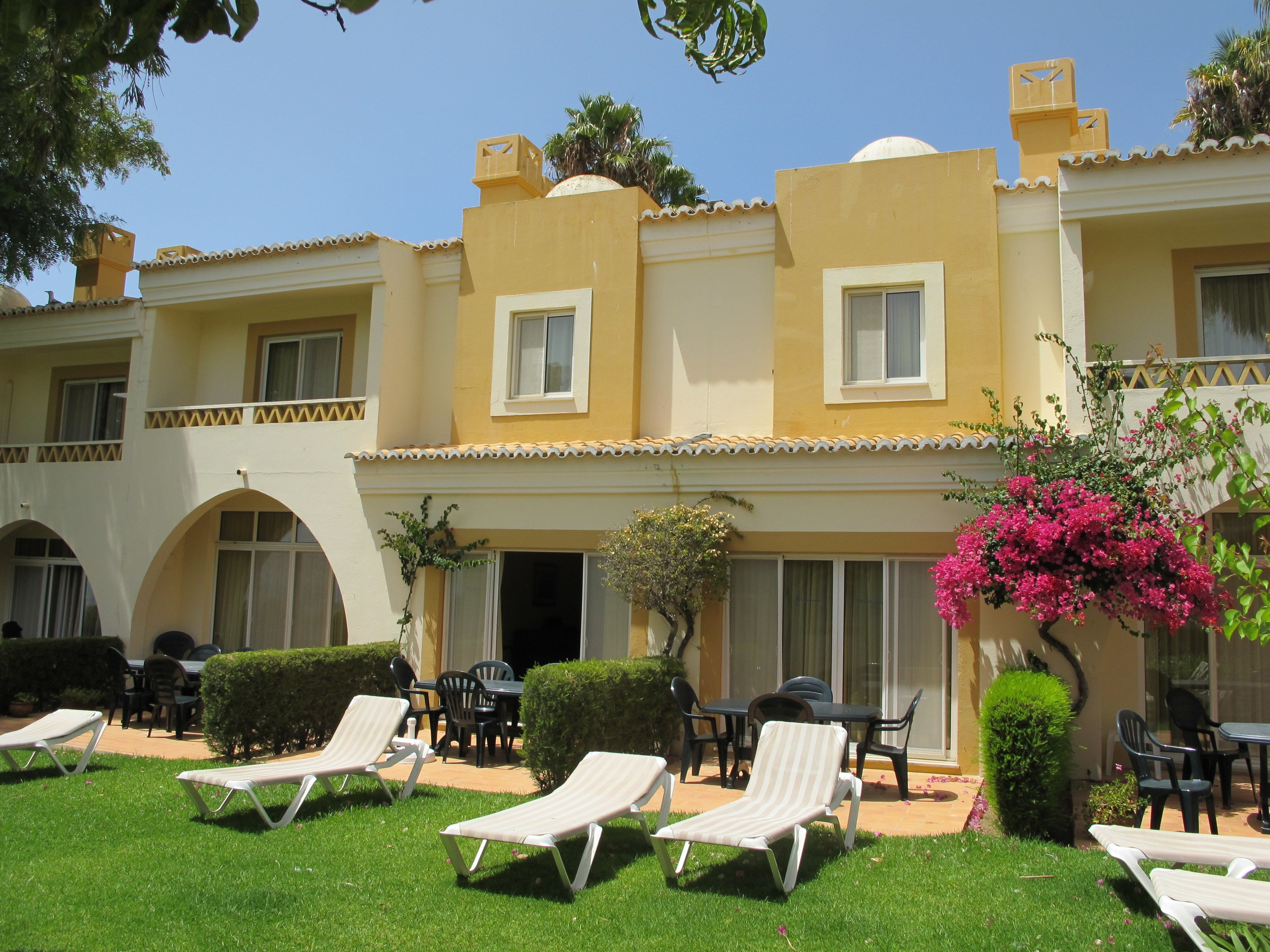 Best 2 Bedroom Townhouse On Pestana Palm Gardens Carvoeiro With Pictures