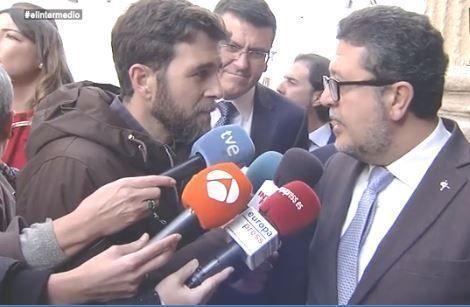 Gonzo acorrala a Serrano (Vox) que miente sobre el dinero iraní y no se sabe los datos de las mujeres afectadas por su propuesta estrella.