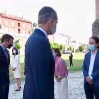 Vídeo | Se filtra la conversación entre Felipe VI y Pablo Iglesias, y la tensión se corta con un cuchillo