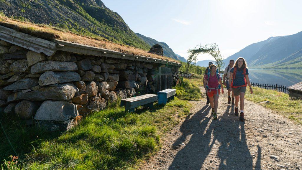 Approaching Gjendebu tourist cabin. Historical Route, Jotunheimen.
