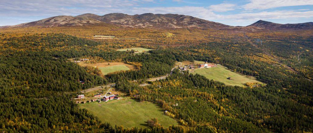 Ruten Fjellstue utendørs sommer og høst – By Arthur Bredli (6)
