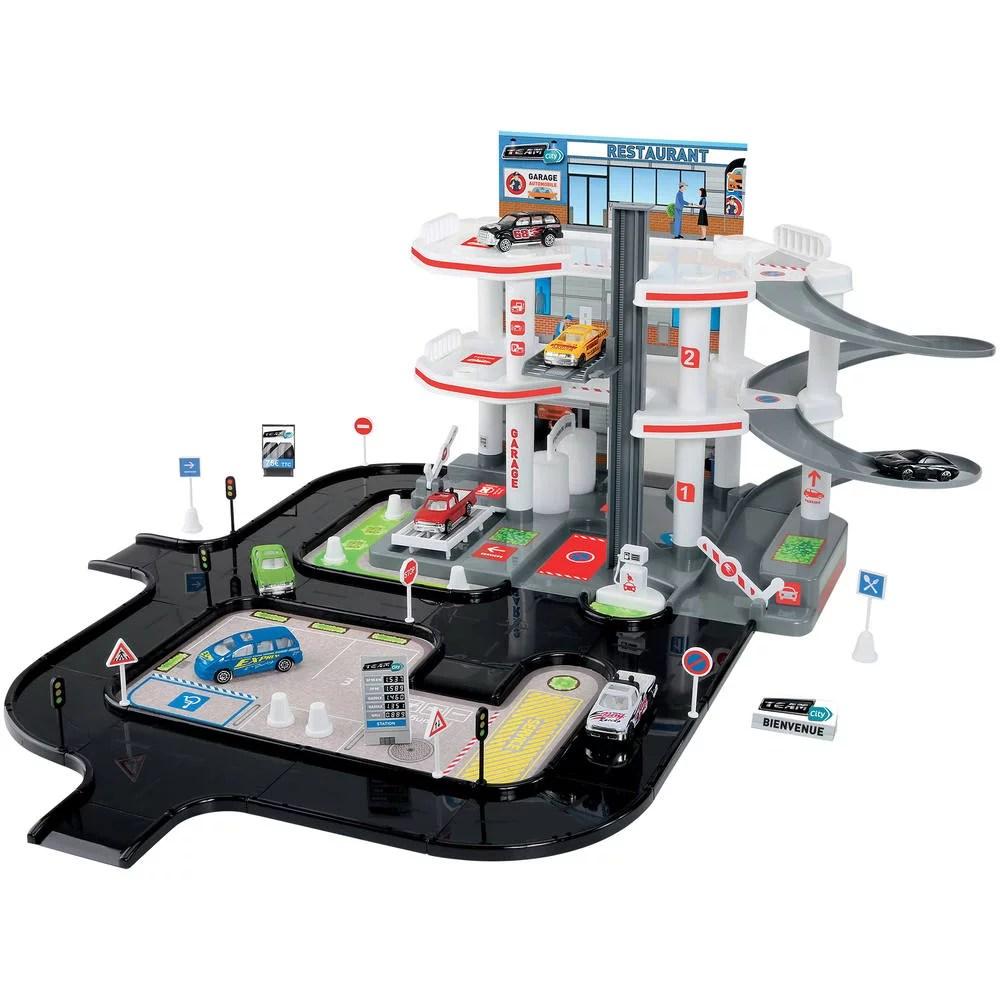 garage 3 niveaux et circuit