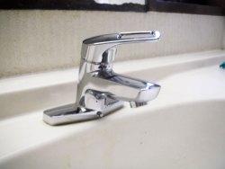 洗面所水栓交換