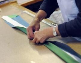 Confection d'une cravate sur mesure par Artling