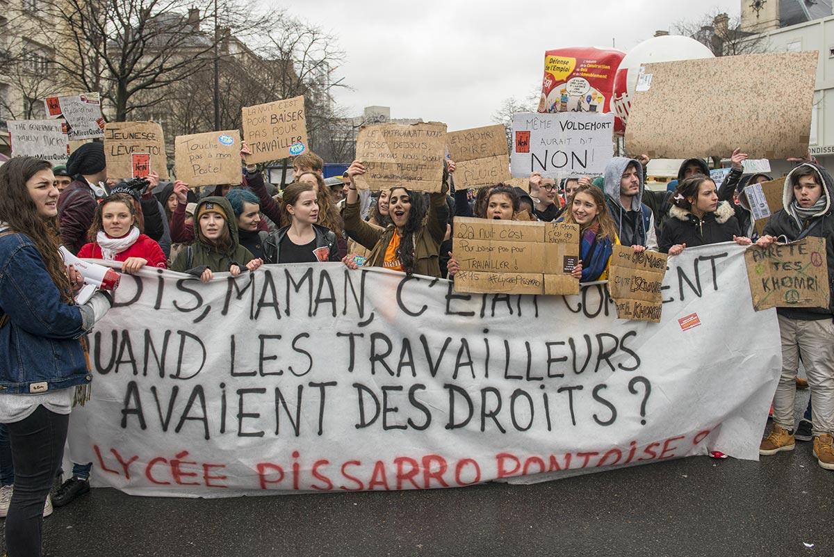 Manifestation du 31 mars 2016 à Paris contre le projet de la ministre la ministre Myriam El Khomri. A l'origine de l'appel, CGT, FO, FSU, Solidaires, l'Unef et côté lycéens le SGL, l'UNL et la FIDL demandent le retrait du texte. Le cortège est partit de la place d'Italie pour rejoindre la place de la Nation. ©Didier Delaine/CCAS