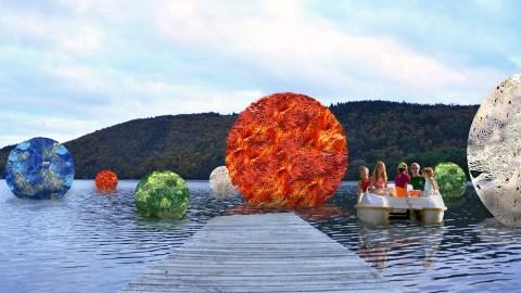 Les perles du Lac, de Sophie Coulon et Jean-Pierre Vignaud, oeuvre parrainée par la CCAS. ©Elise Rebiffé/CCAS