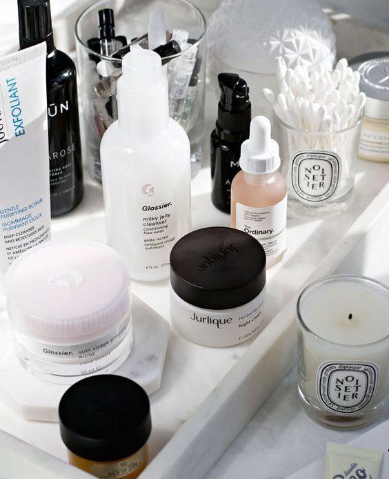 5 Tanda Kamu Harus Mengganti Skincare-mu Sekarang