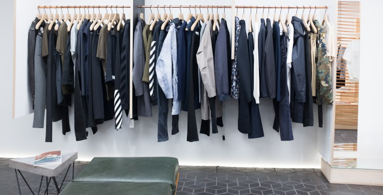 how to build a capsule wardrobe building a capsule wardrobe