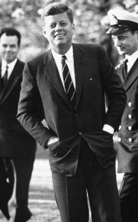 JFK loved fastening all the buttons on his suit jackets presidential style