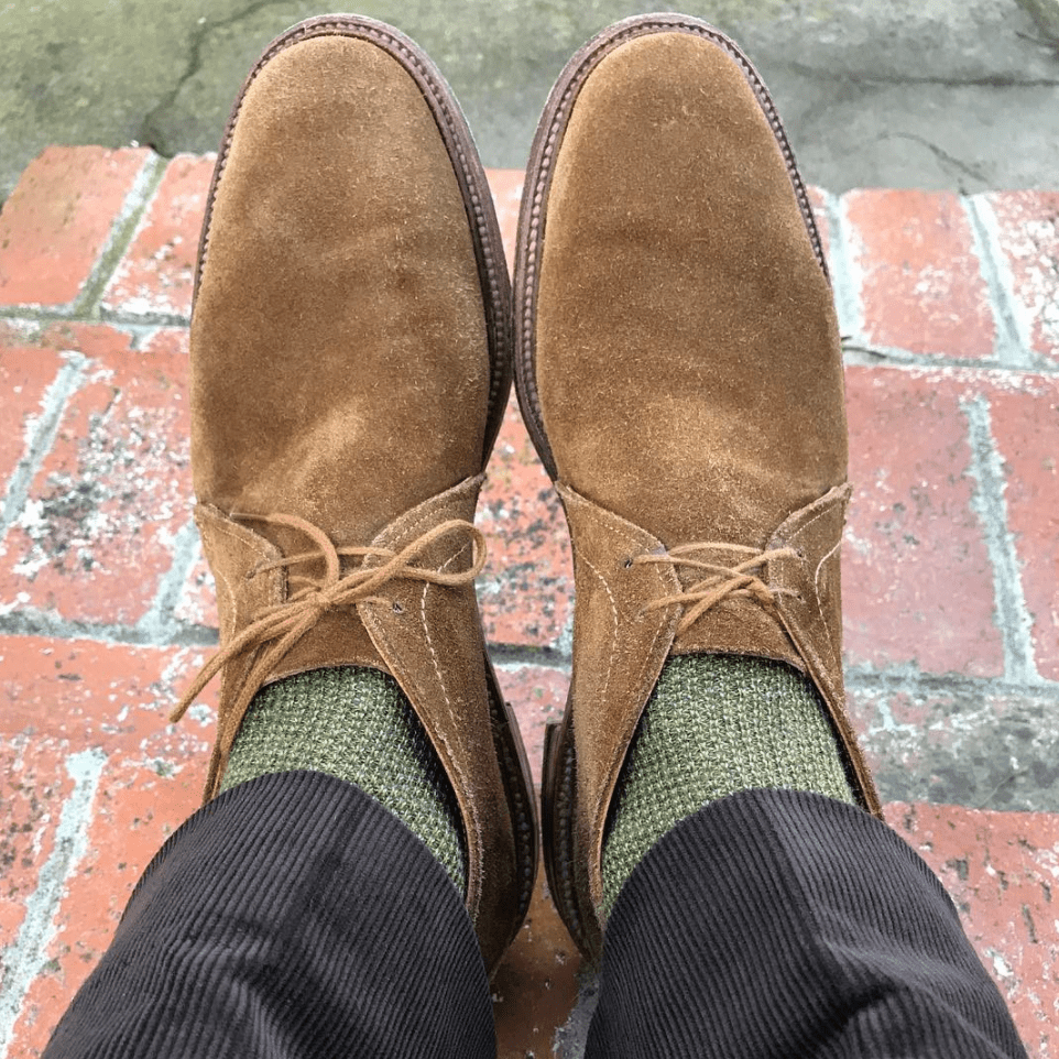 @murlsqurl pairing light green and brown suede.