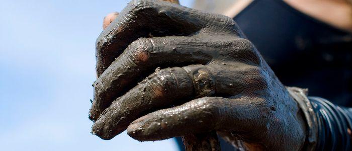 things to do in Jordan - Enjoy a mud bath