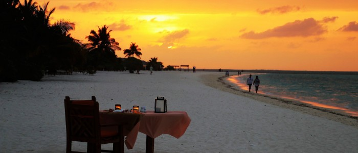 things to do in Maldives - Romantic dinner date maldives