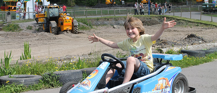 Things To Do In The UK - Diggerland
