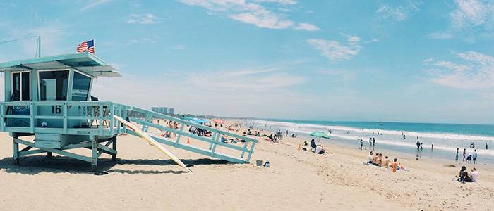 things to do in the USA - Waikiki Beach