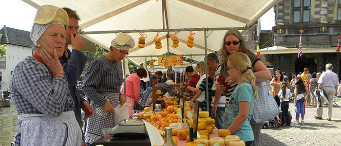 Things to do in the Netherlands - Alkmaar Cheese Market