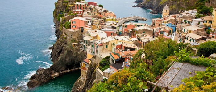 where to travel with friends? Cinque Terre