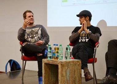 Die Gäste der ersten YouTube-Ringvorlesung: Ben Peters alias Superbuddy (li.) und Moritz Meyer.