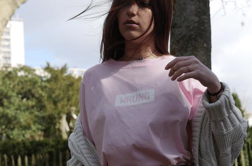 astuce-oversize-femme-teeshirt