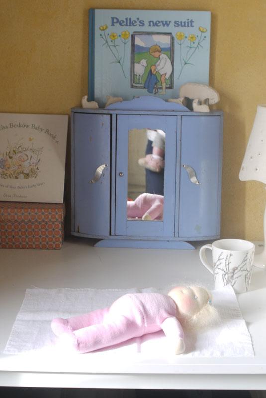Un thé, bercer bébé, Dimanche 12h00