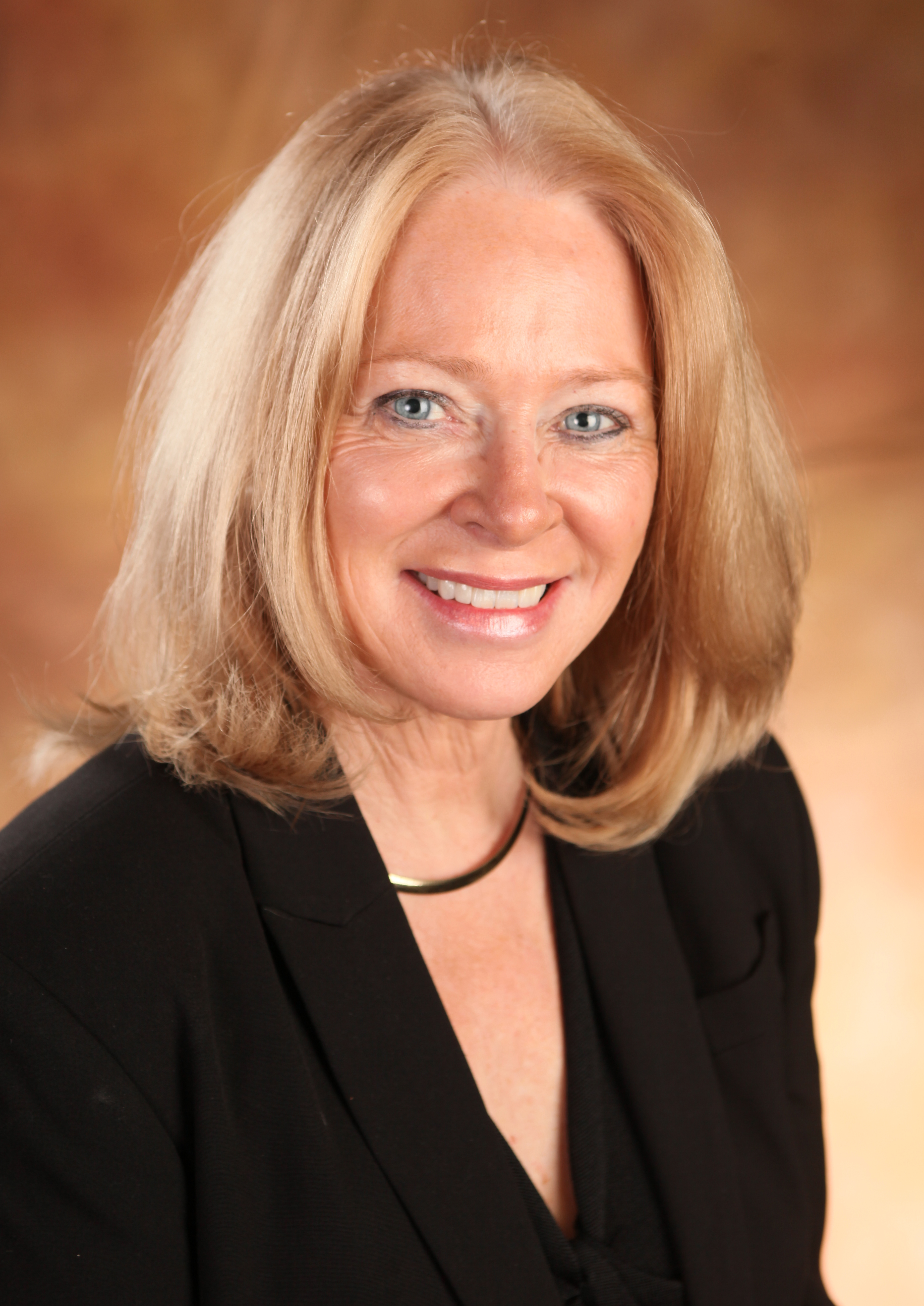 Esther Thorson Named 2004 Distinguished Educator by