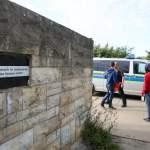 Hinweisschild am Haupteingang Zentrale Anlaufstelle für Asylbewerber ZASt in Halberstadt Fotog