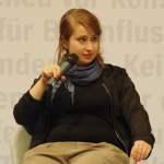 Frankfurter Buchmesse Book Fair Frankfurt 2016 Foto Margarete Stokowski mit ihrem Buch UNTENRUM