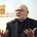 Der Vorsitzende der katholischen Deutschen Bischofskonferenz DBK Kardinal Reinhard Marx gibt ein