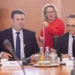 Deutschland, Berlin, Bundeskanzleramt, Sitzung des Bundeskabinetts, Arbeitsminister Hubertus Heil SPD, Umweltministerin