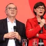 Wahl der neuen SPD Vorsitzenden Die Entscheidung über die neue SPD-Spitze ist gefallen. Bei der Stichwahl sind Saskia Es