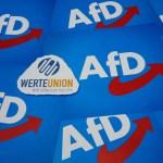 Werteunion und AfD-Fahnen Werteunion und AfD-Fahnen, 08.02.2020, Borkwalde, Brandenburg, Auf Fahnen der AfD liegt das Lo