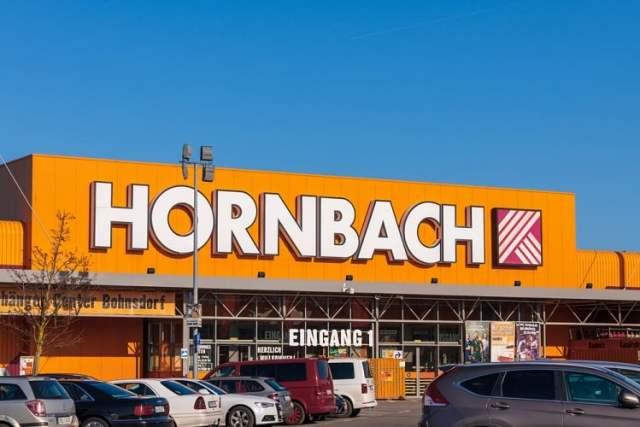 Hornbach (Bild: shutterstock.com/Von Ronald Rampsch)