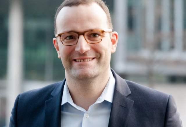 Jens Spahn (Bild: shutterstock.com/Von photocosmos1)