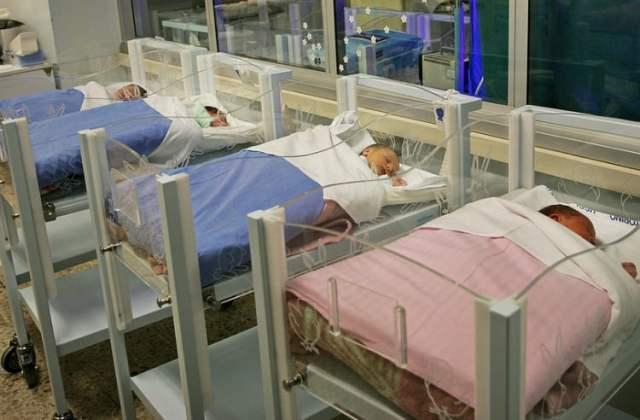 Neugeborene (Symbolbild: shutterstock.com/Von MikeDotta)