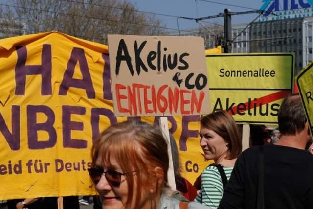 Enteignung (Bild: shutterstock.com/Von Juergen Nowak)
